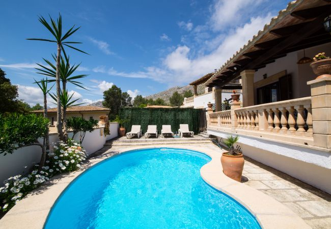 Villa in Cala Sant Vicenç - CAN CORIOS, PRIVATE POOL, FREE WIFI, PERFECT LOCAT