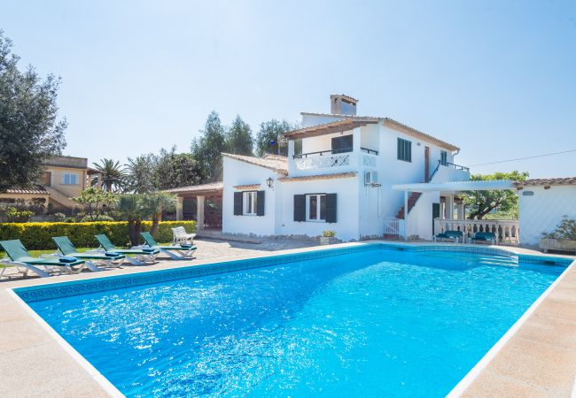 Villa in Port de Pollença - Superb villa, private pool, 250m. beach, free WiFi