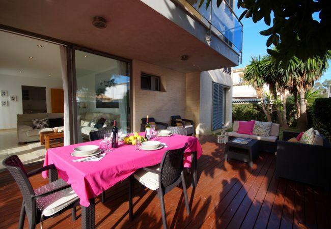 Ferienwohnung in Port de Pollença - Superb apartment, 150 m to beach!, beautiful pool!